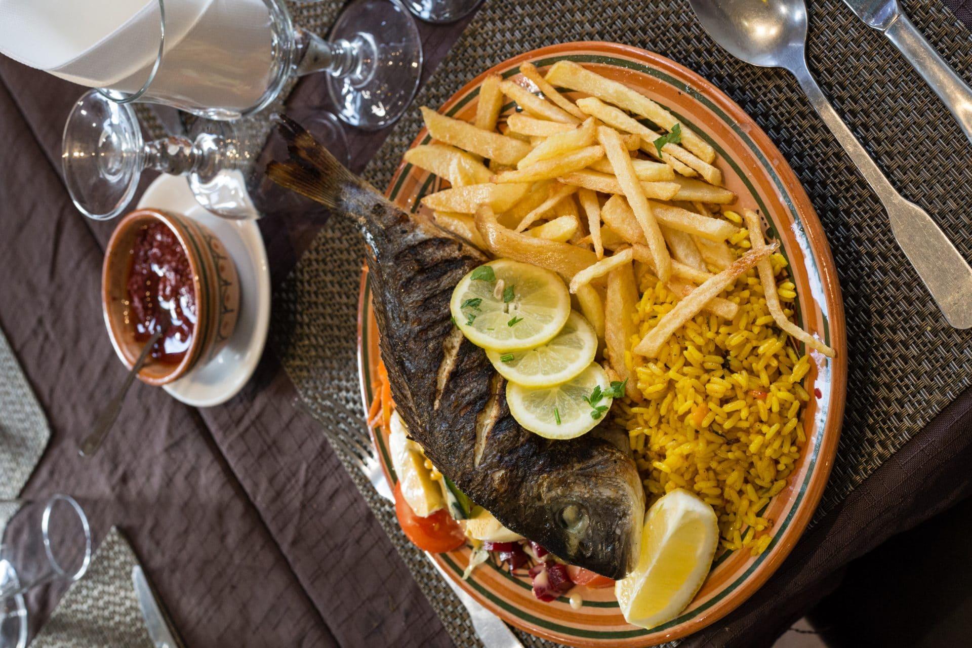Restaurant couscous vieux port marseille elyssa - Restaurant poisson marseille vieux port ...